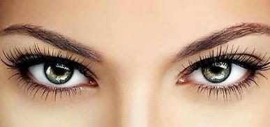 Цветные контактные линзы: присмотримся поближе