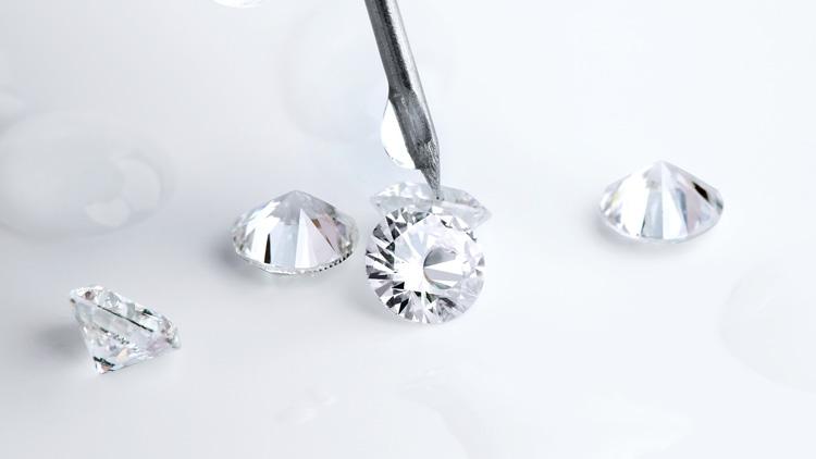 Несколько основных признаков настоящего бриллианта