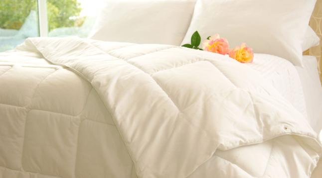 Под каким одеялом теплее всего