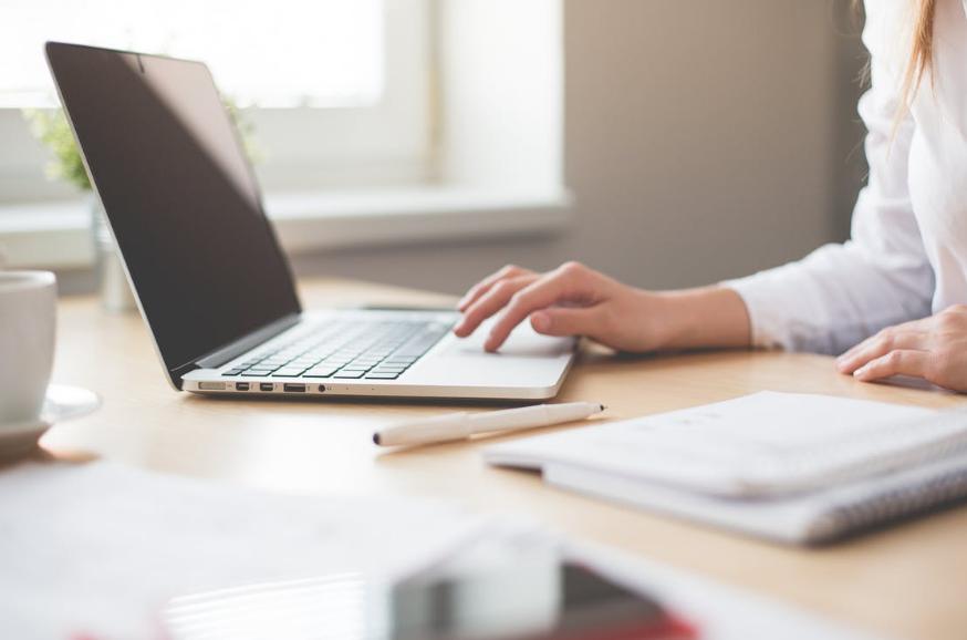 Трудовые будни: как расположить к себе начальство и коллег?