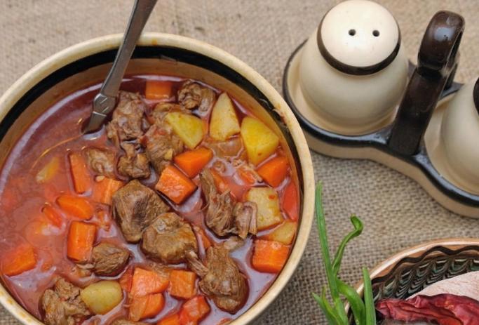 Рецепты приготовления вкусного и насыщенного гуляша из говядины