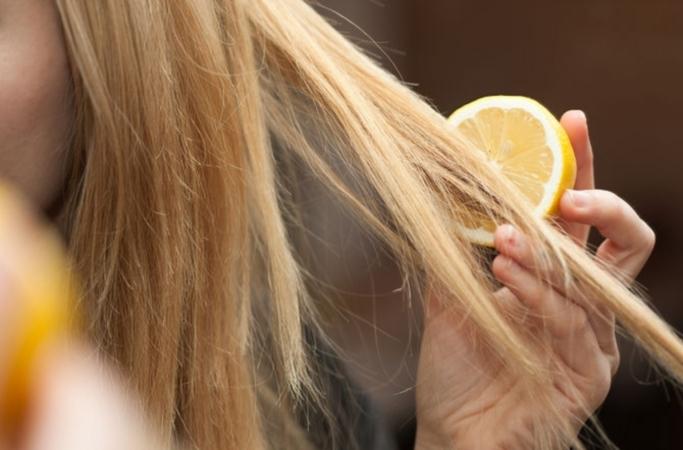Как осветлить волосы с помощью лимона? Полезные советы и лучшие рецепты масок для домашних условий
