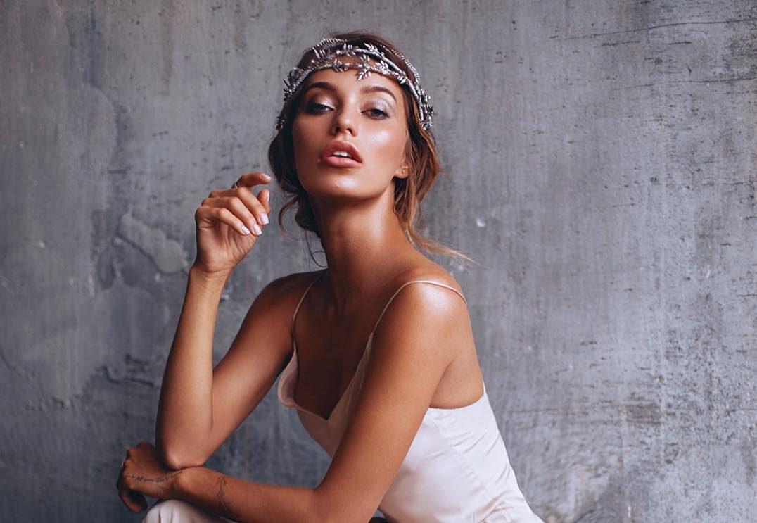 Беременная Регина Тодоренко поделилась снимком в бикини