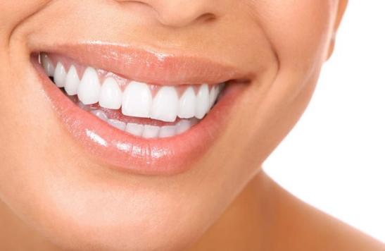 Топ 3 безопасных и эффективных способов отбеливания зубов