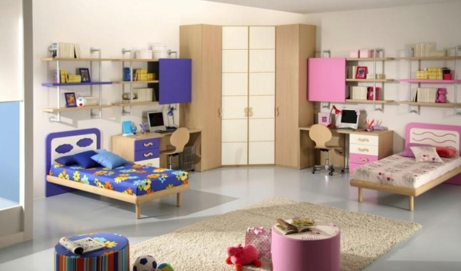 Зонирование детской комнаты с помощью стеллажей и ящиков
