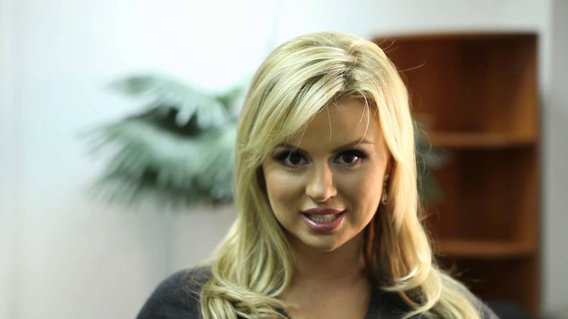 Анна Семенович поделилась моментами счастья