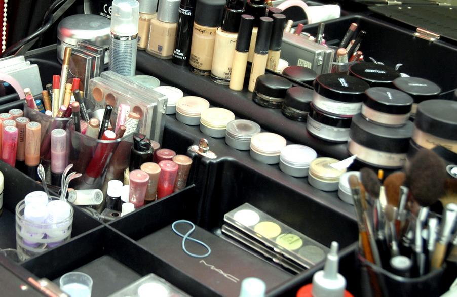Интернет магазин косметики – возможность порадовать себя