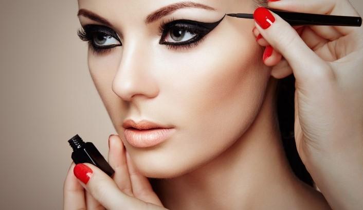 Правильный макияж для работы: как краситься в офис