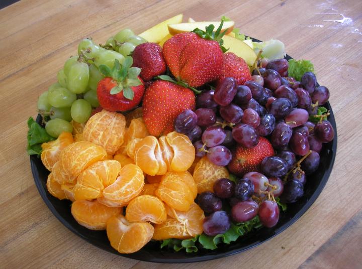 Как выбрать спелые и сочные фрукты для новогоднего стола
