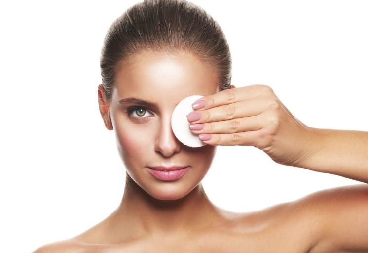 Правила ухода за кожей вокруг глаз