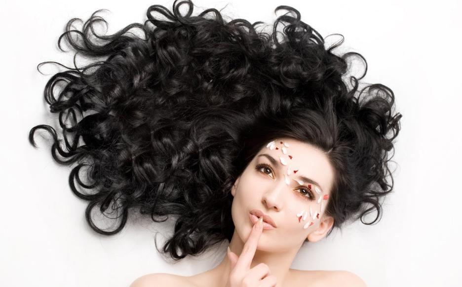 Как сделать волосы объемными и пышными? Секреты и рекомендации стилистов