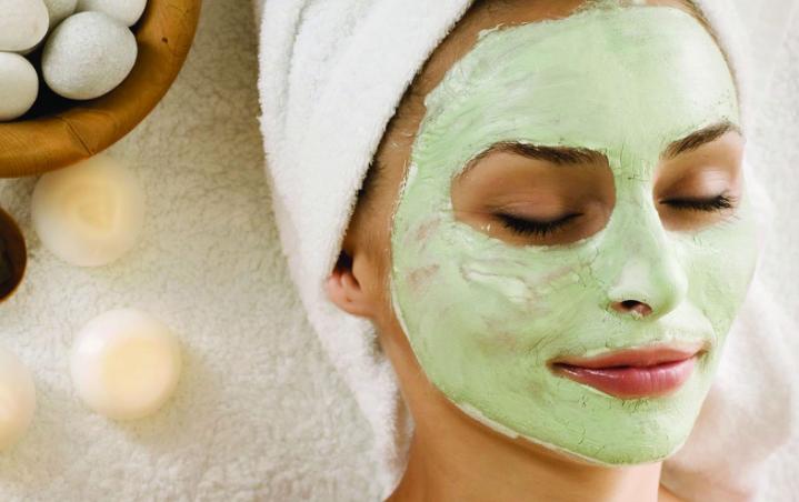Зимний уход за кожей: питательные маски для лица в домашних условиях
