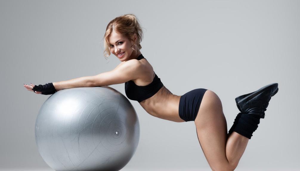 Самые эффективные упражнения, которые помогают быстро избавиться от складок на боках