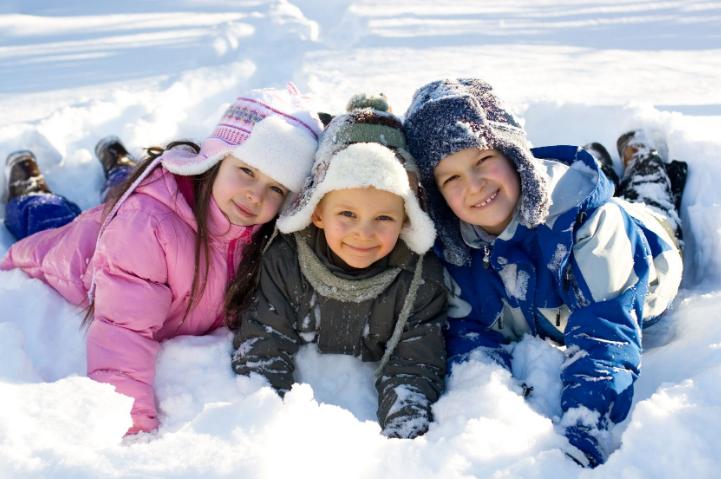 Как провести зимние каникулы с пользой для ребенка?