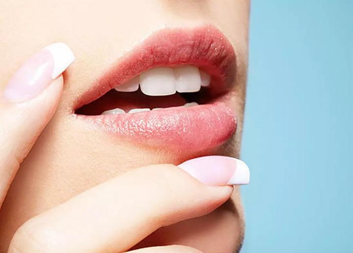 Правила зимнего ухода за губами
