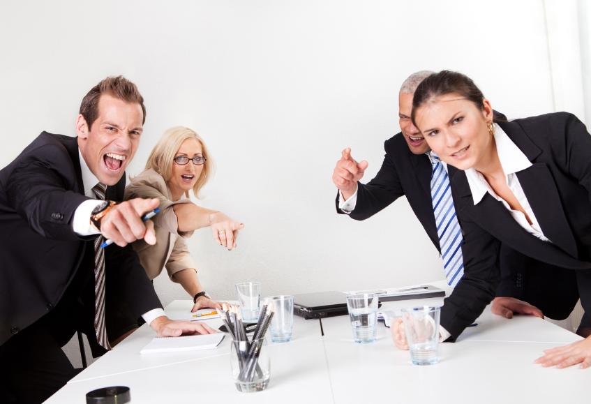 Здоровая обстановка в коллективе: как найти общий язык с трудными коллегами?