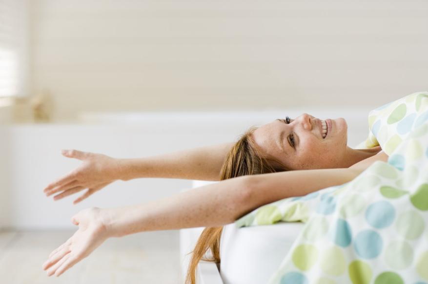 Секреты бодрого утра: как научиться легко подниматься с кровати зимой?
