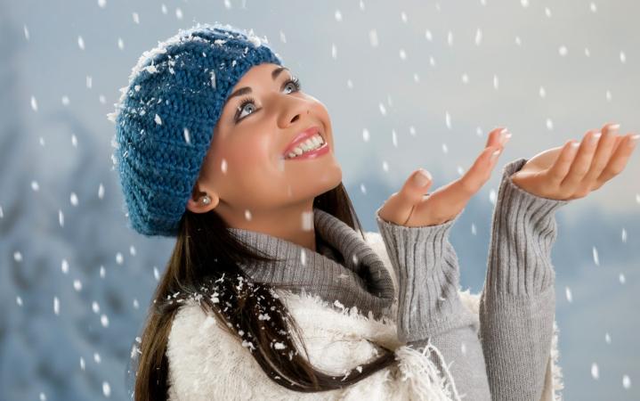 Главные правила ухода за волосами зимой: как ухаживать за разными типами шевелюр в холодное время года