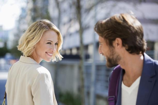 Секреты флирта, которые помогут завоевать симпатию понравившегося человека