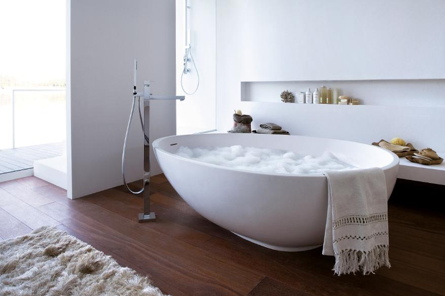 Освежаем интерьер: как изменить дизайн ванной, не потратив много средств?