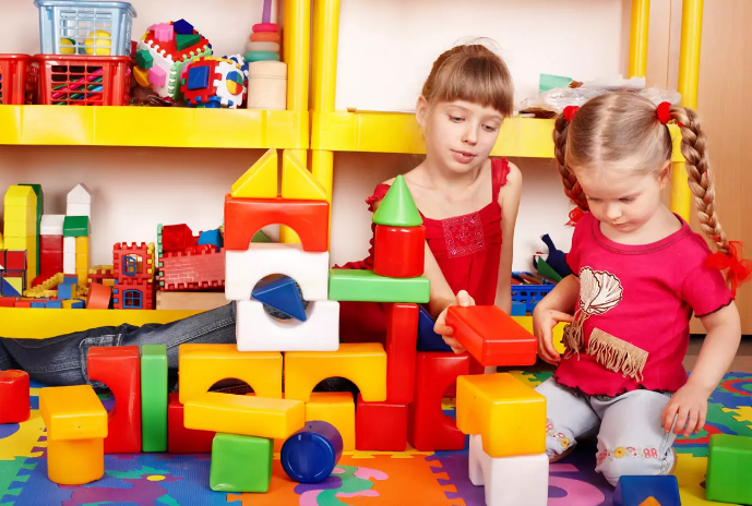 Типы детских игрушек, которые вредны для ребенка