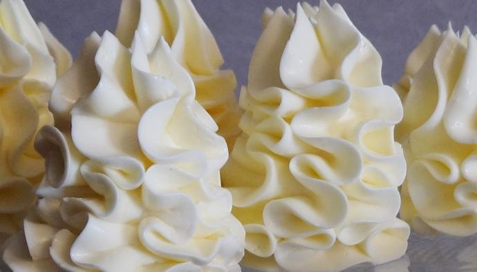 5 простых и вкусных кремов для выпечки и тортов