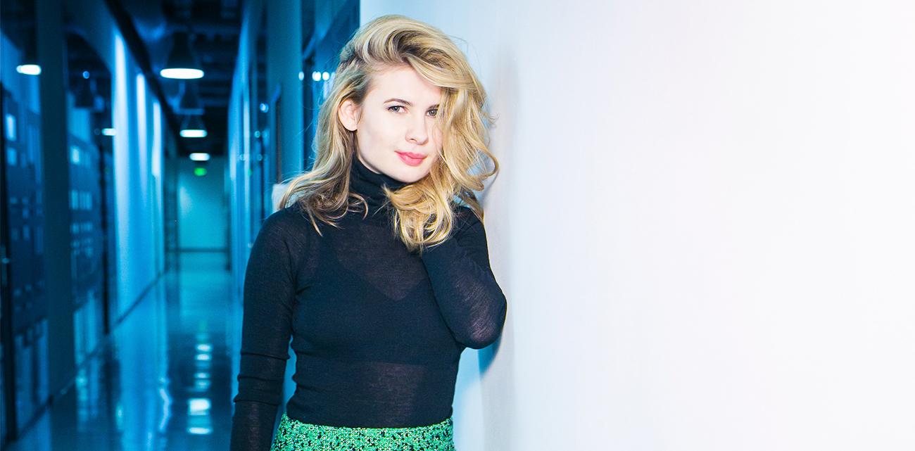 Анна Цуканова-Котт порадовала поклонников пикантными фото в купальнике