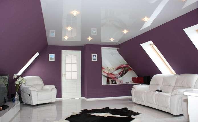 Преимущества и недостатки натяжного потолка