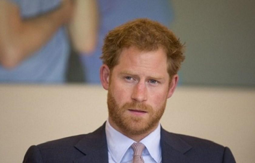 С общественностью связался внебрачный сын принца Чарльза