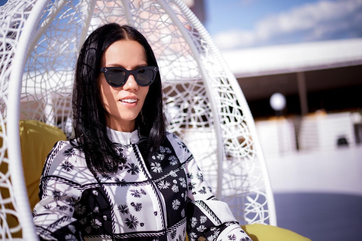 Экс-супруга Потапа продемонстрировала пять модных образов