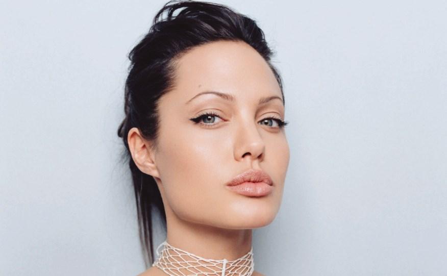 Анджелина Джоли задумывается о карьере политика