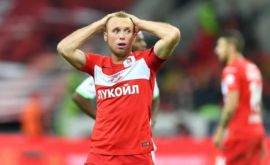 Денис Глушаков развелся с женой