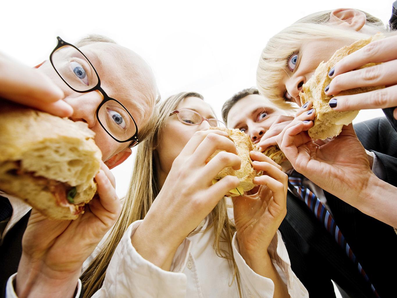 5 причин отказаться от обеда за рабочим столом