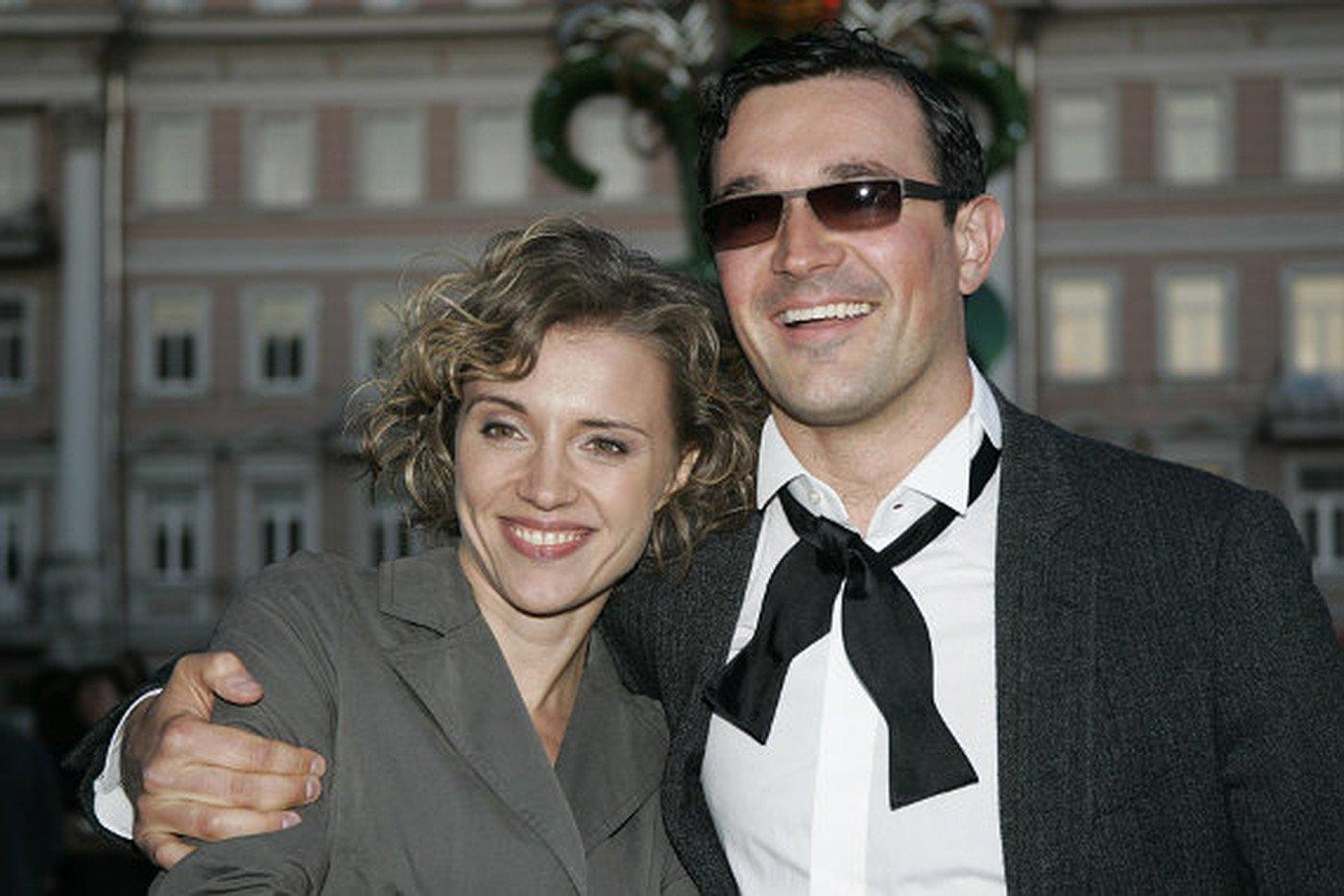 Редкий кадр: Ксения Алферова сфотографировалась с мужем