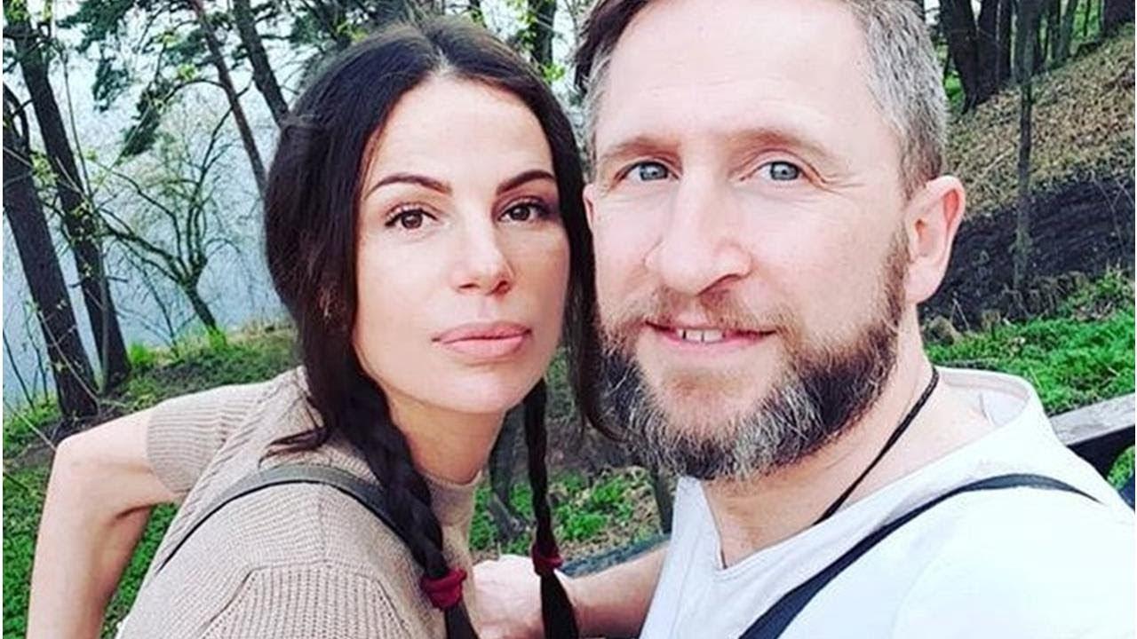 Жена Оскара Кучеры будет рожать в Америке