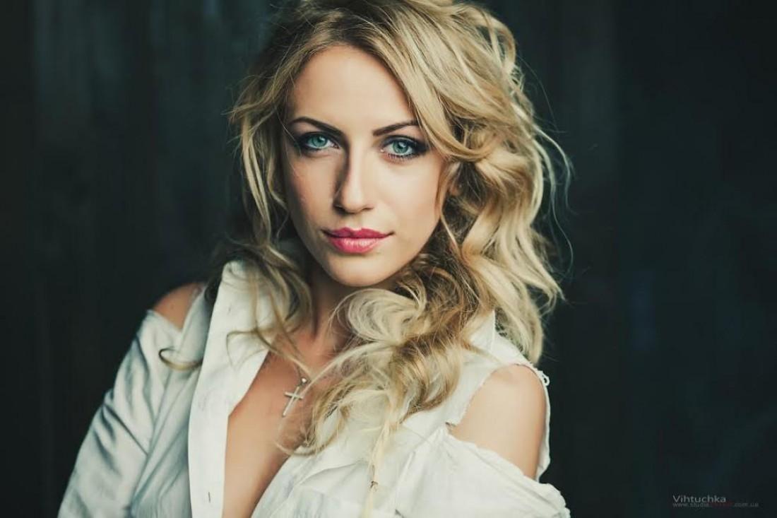 Леся Никитюк предпочитает макияж в нюдовых тонах
