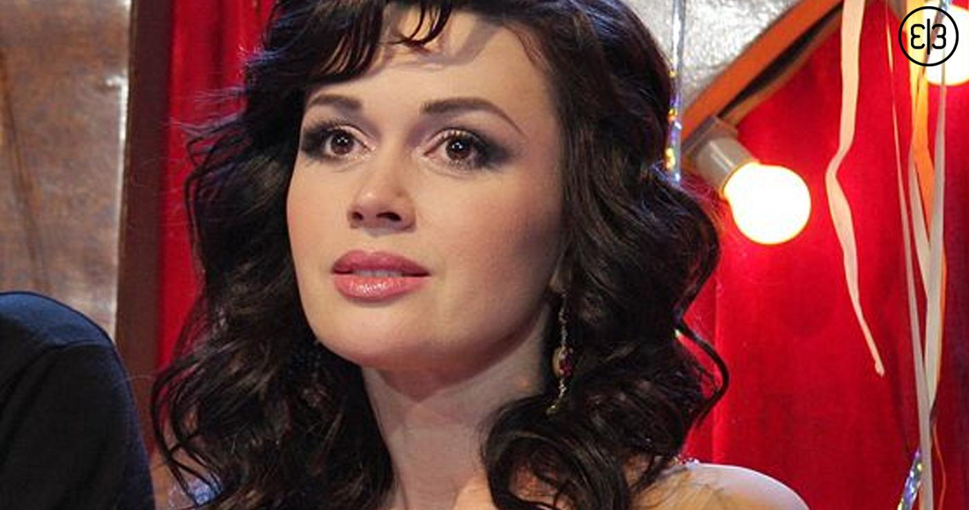Анастасия Заворотнюк тайком от всех родила третьего ребёнка