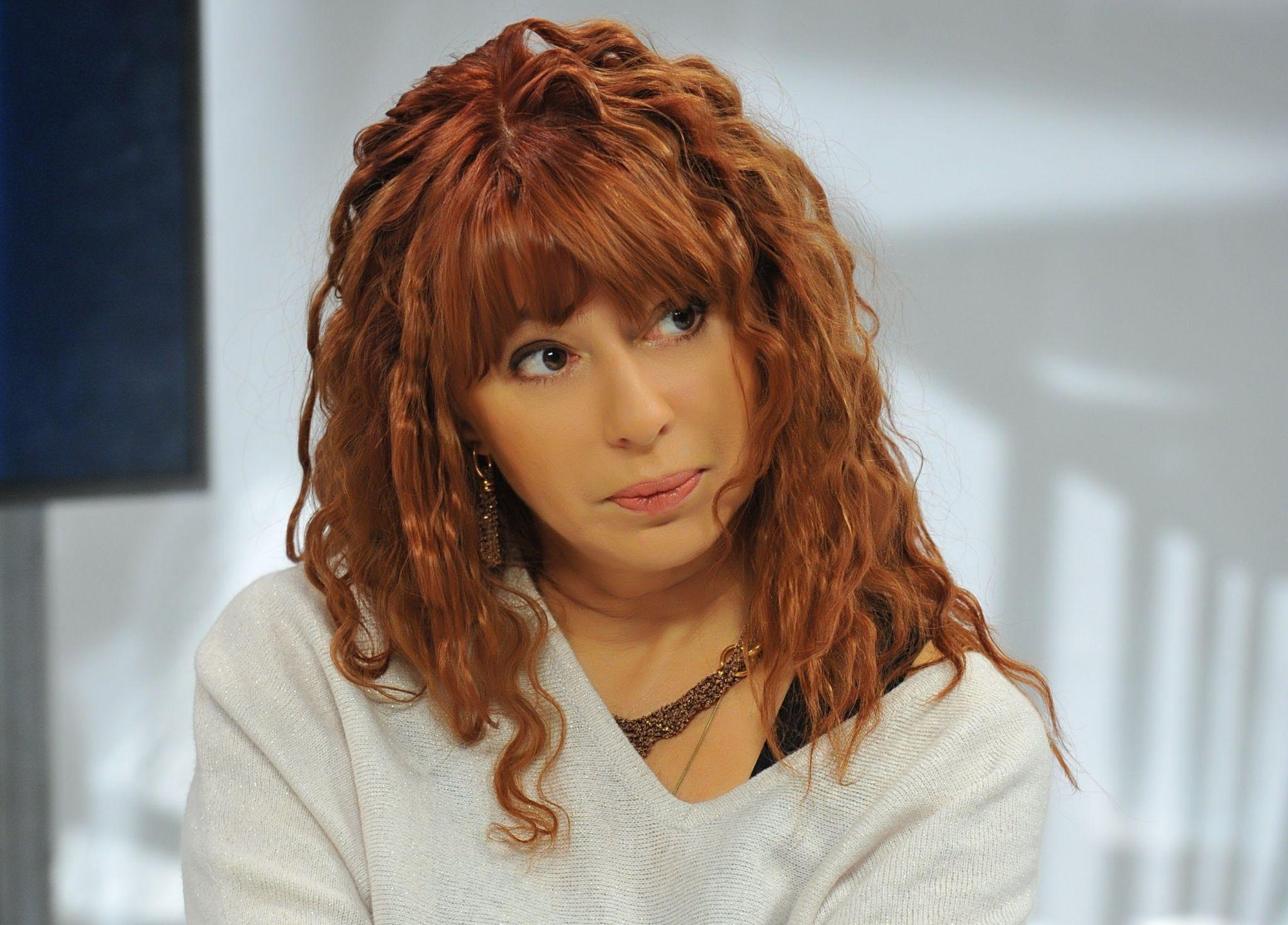 Алена Апина рассказала, как справлялась с осуждением после выхода скандального клипа «Близость»