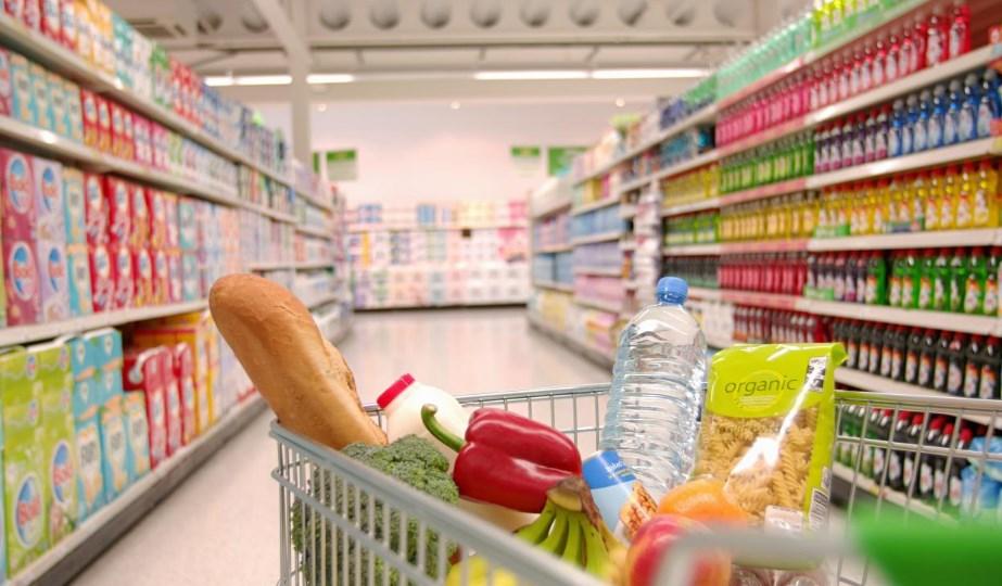 7 уловок маркетологов, которые заставляют нас покупать больше