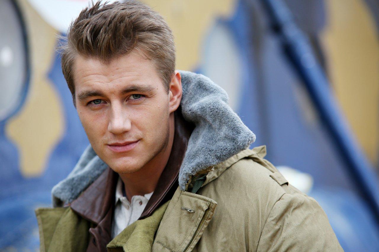 Алексей Воробьев рассказал, что его отец работал «бомбилой»