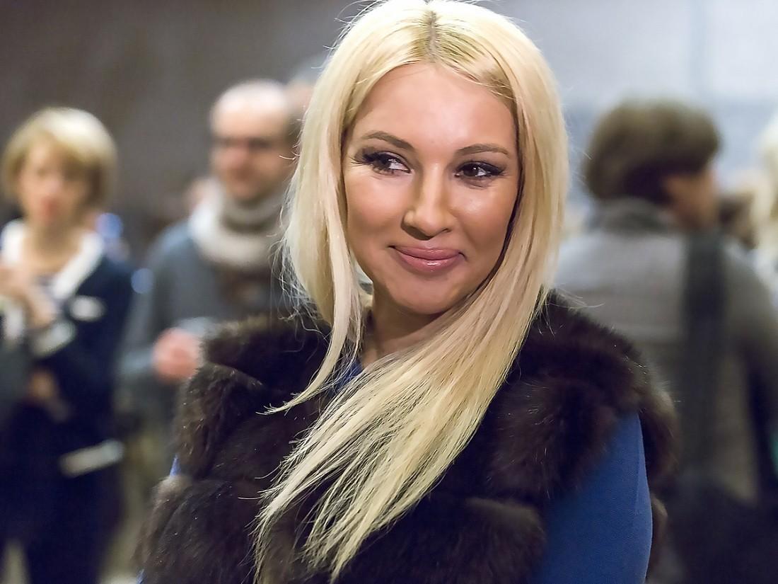 Лера Кудрявцева отметила годовщину свадьбы с мужем
