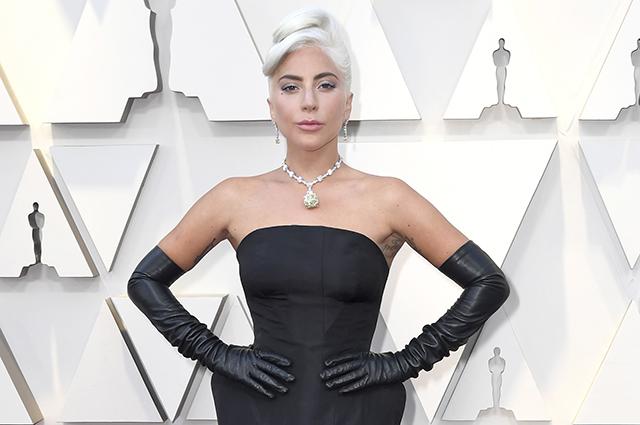 Леди Гага ждёт ребенка от Брэдли Купера: секрет раскрыла подруга звезды