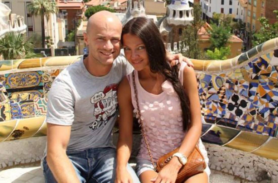 Влад Яма отправился на отдых с женой