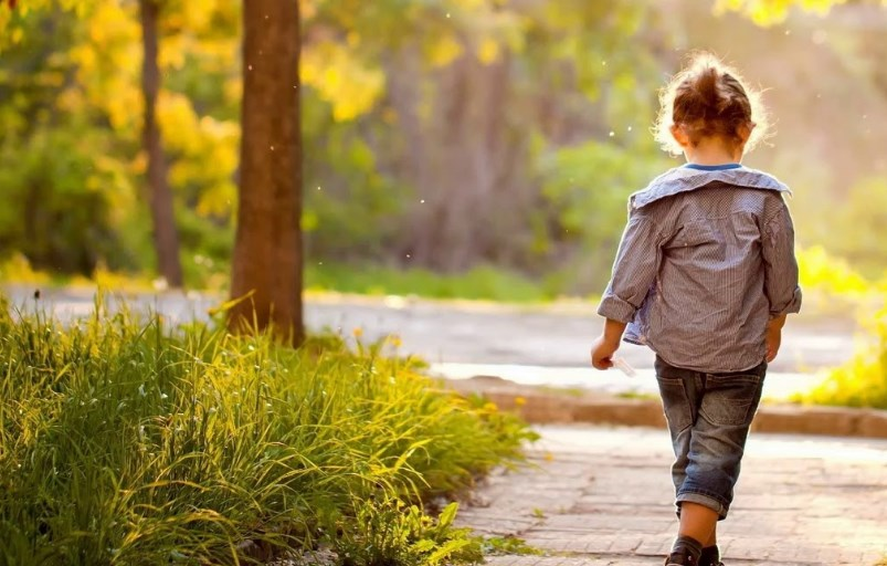 Правила весенней прогулки с ребенком