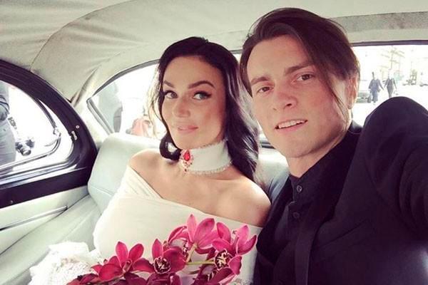 Алена Водонаева официально подала на развод с мужем