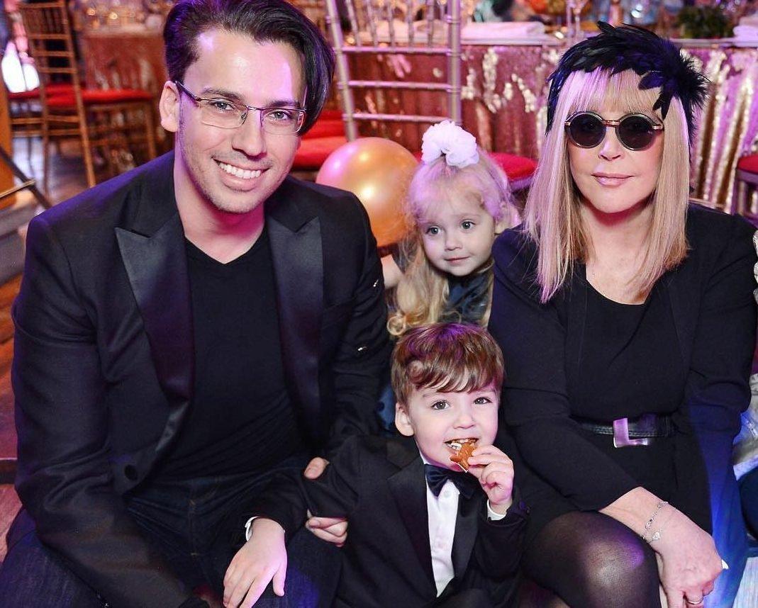 Алла Пугачева с детьми сходила на пикник