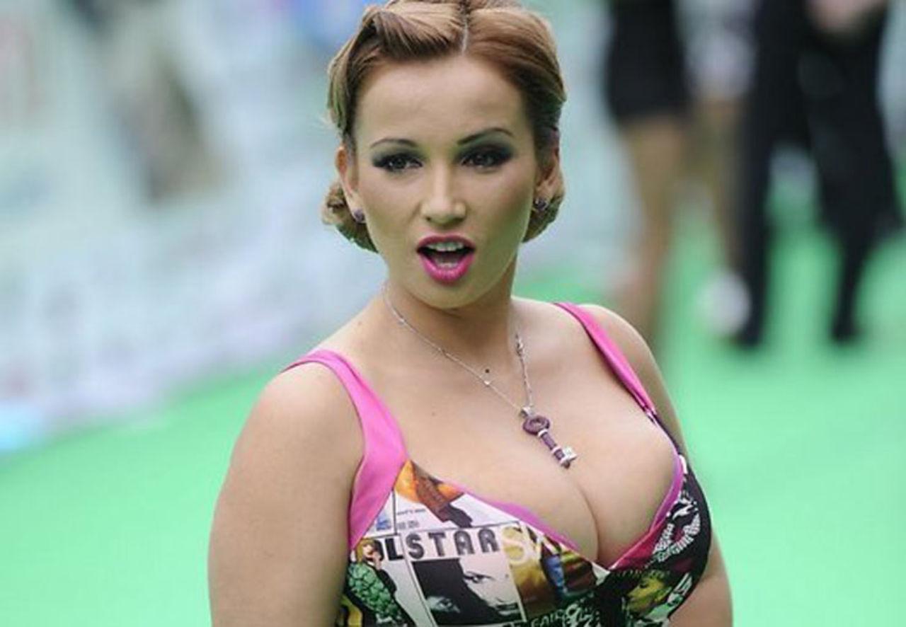 Анфиса Чехова в бикини рассуждала о сексуальности