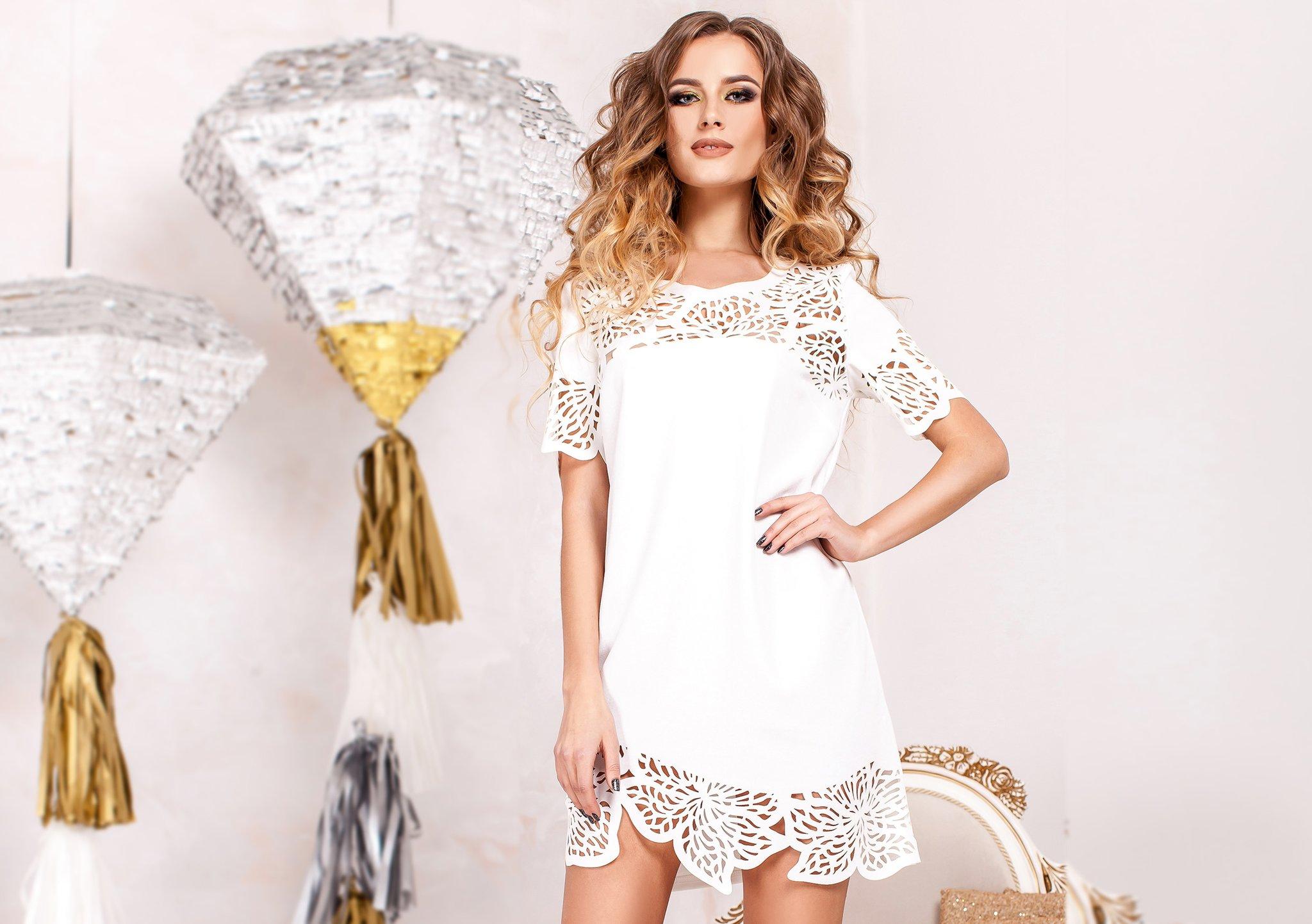 Модные короткие платья на День Рождения