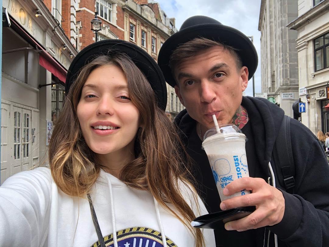 Регина Тодоренко поделилась утренним снимком с Владом Топаловым