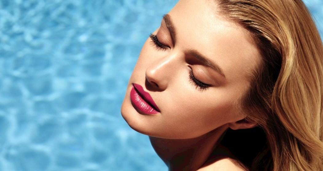 5 хитростей, которые помогут продлить стойкость косметики в жару